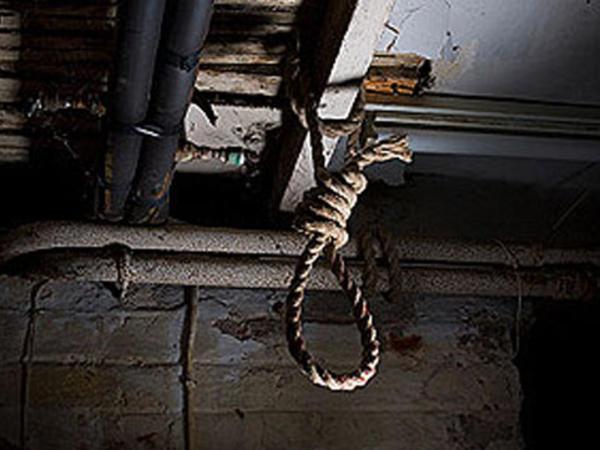 Şəmkirdə 26 yaşlı gənc özünü yük vaqonundan asaraq intihar etdi