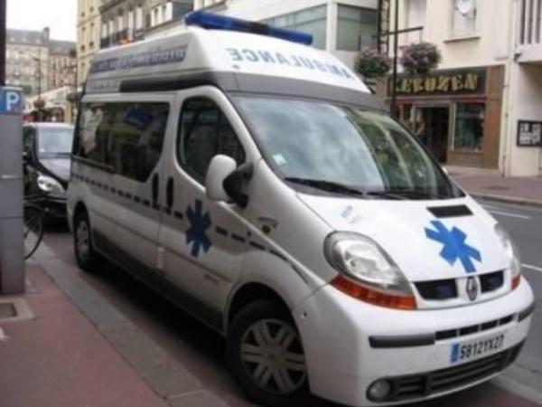 Fransada uşaqları daşıyan avtobus yük maşını ilə toqquşub, xəsarət alanlar var