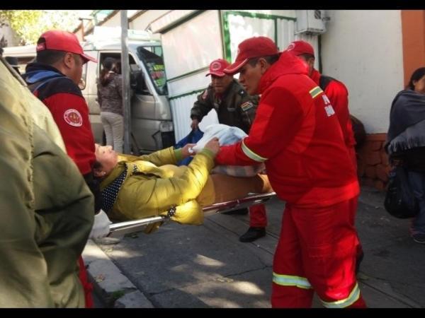 Boliviyada mikroavtobus 7 rəqqası vuraraq öldürüb