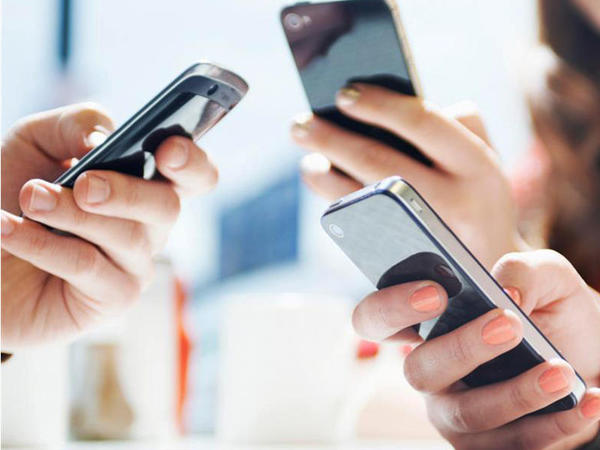 Azərbaycanda mobil operatorlar 7 ayda 495,2 milyon manat qazanıb