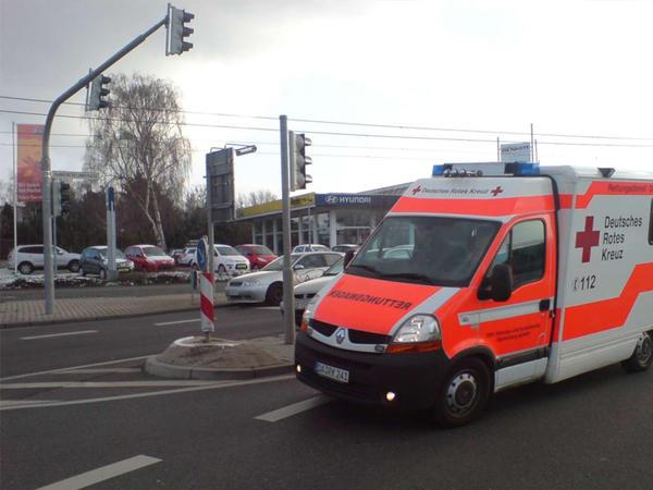 """Almaniyada sərnişin avtobusu arxa aşdı - <span class=""""color_red"""">Yaralılar var</span>"""