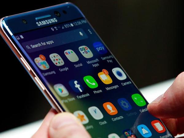 """Türkiyədə """"Samsung"""" telefonları bahalaşdı"""