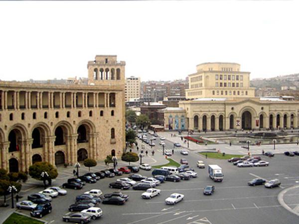 """Yerevan Şəhər Şurası seçkilərinin vaxtı açıqlandı: <span class=""""color_red"""">Paşinyan komediya aktyorunu mer görmək istəyir</span>"""