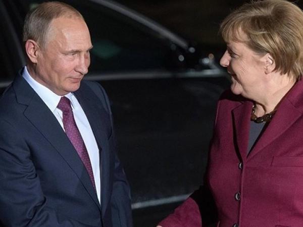 Rusiya Prezidenti Berlinə səfər edib