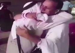 Suriyalı qardaşlar 7 il sonra Həcc ziyarətində qarşılaşdılar - VİDEO