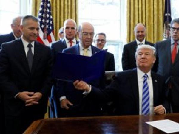 """Tramp administrasiyası Rusiyaya <span class=""""color_red"""">daha bir sanksiya hazırlığında</span>"""