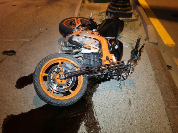 Salyanda motosiklet aşıb, sürücü xəsarət alıb