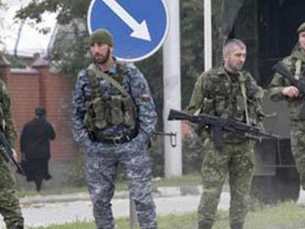"""Çeçenistanda polis bölməsinə hücum: <span class=""""color_red"""">bir polis ölüb, yaralılar var - VİDEO</span>"""