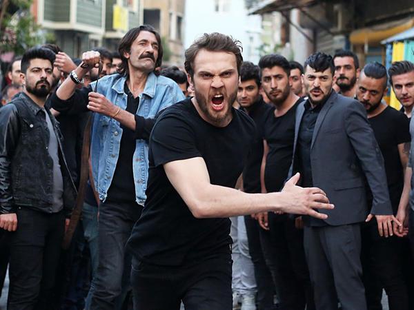 """Məşhur aktyor """"Çukur""""dan ayrıldı"""