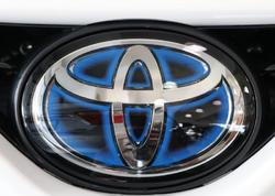 """""""Toyota"""" 2 milyondan çox avtomobili geri çağırdı"""