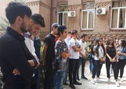 Gürcüstanda azərbaycanlı abituriyentlər etiraz edirlər - FOTO