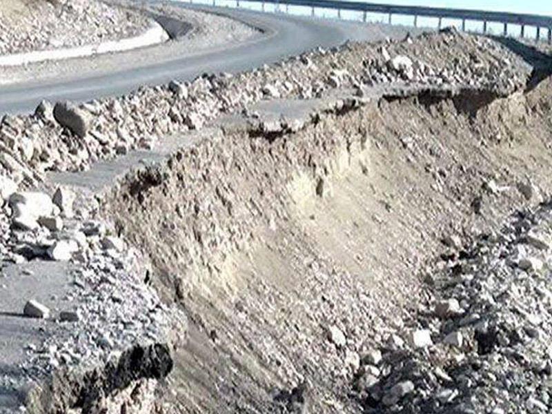 Azərbaycanın bəzi yollarında yenidən sürüşmə və uçqun prosesləri aktivləşib