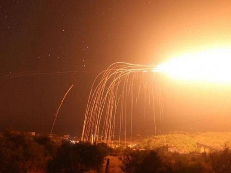 ABŞ Suriyanı vurdu - Qadağan olunmuş silahla