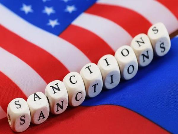 Ər-Riyad ABŞ-ın İrana qarşı sanksiyaların bərpasını alqışlayır