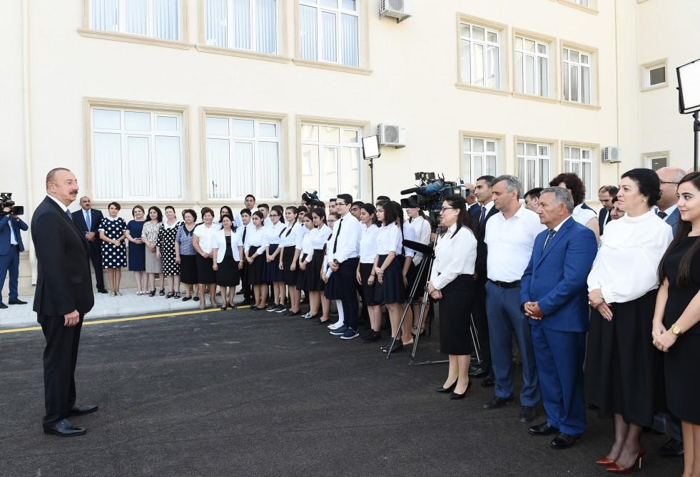 Prezident Ä°lham Æliyev MaÅtaÄadakı Savalan yaÅayıŠmassivindÉ 28 nömrÉli tam orta mÉktÉbin açılıÅında iÅtirak edib - FOTO
