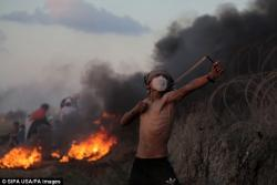 """Fələstin blokadanı yarmaq istəyir: """"alov şarları"""" və 3 ölü - FOTO"""