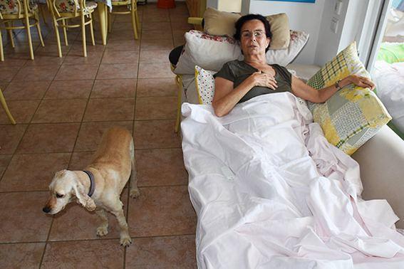 Tanınmış aktrisa evində yıxıldı, xəstəxanaya apardılar - FOTO