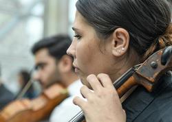 Bakı metrosunda canlı musiqi - FOTO