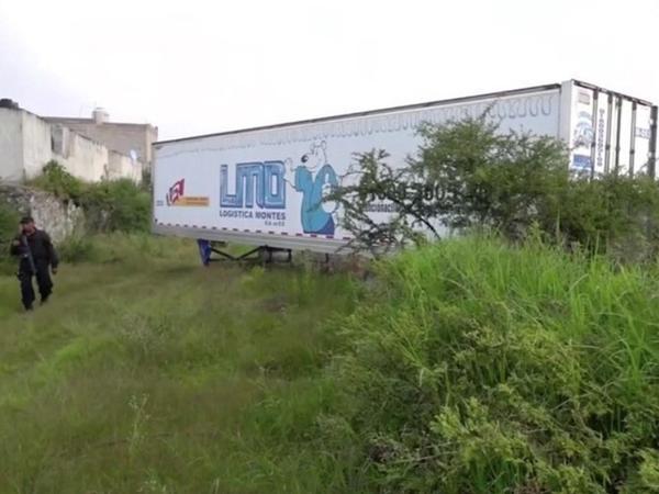 157 cəsədin olduğu yük avtomobili aşkarlanıb