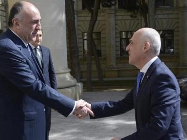 Elmar Məmmədyarov Dünya İqtisadi Forumunun prezidenti ilə görüşüb