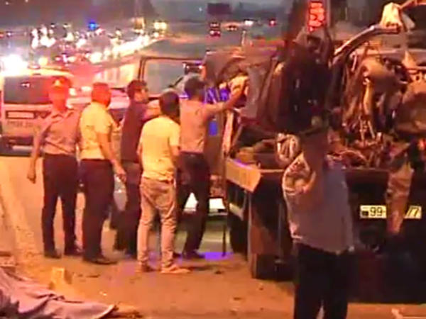 Bakıda dəhşətli qəza: 4 nəfər ölüb - VİDEO