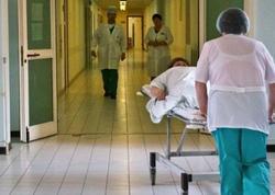 Pilləkəndən yıxılan 83 yaşlı qadın xəstəxanada ayıldı