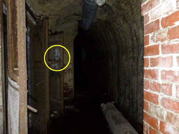 Yeraltı bunkerdə ruh göründü - FOTO