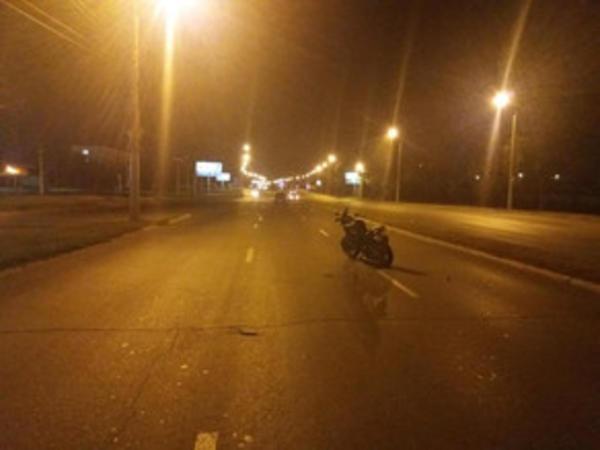 Minik avtomobili motosikletlə toqquşub, xəsarət alan var