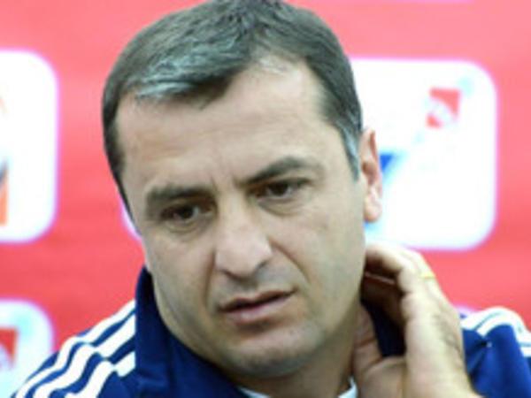 Ermənistan yığmasının baş məşqçisi təyinatından 5 ay sonra istefa verib