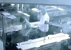 """Müdir fəhlənin arxasına kompressor püskürtdü, <span class=""""color_red"""">işçinin orqanları partladı, öldü - VİDEO - FOTO</span>"""