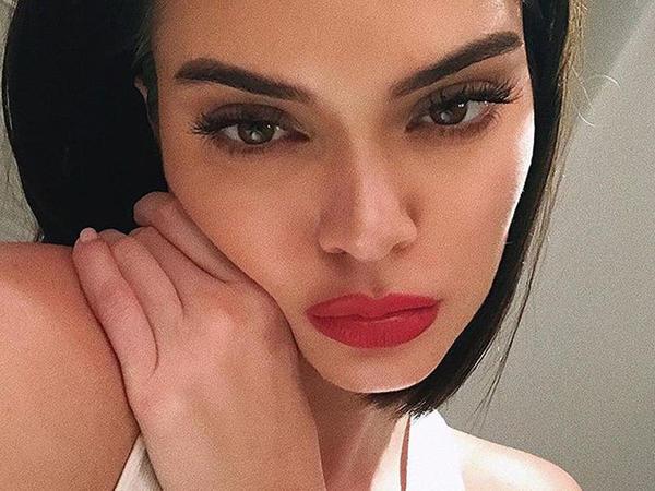 """Məşhur supermodel cazibədar bədənini nümayiş etdirdi - <span class=""""color_red"""">FOTO</span>"""
