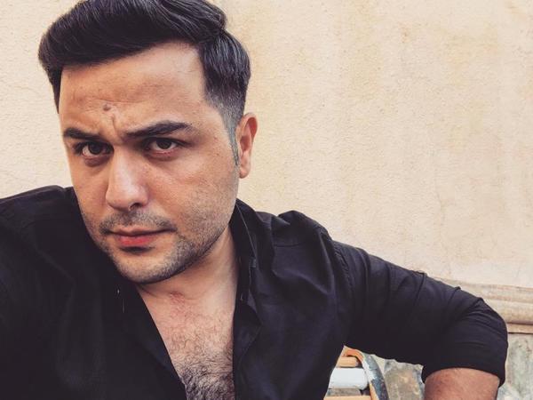 """Azərbaycanlı aktyor: """"Ailəcanlıyam, uzaqda olsam da lazım gələrsə ailəm üçün qaçaraq evə gələrəm"""" - FOTO"""