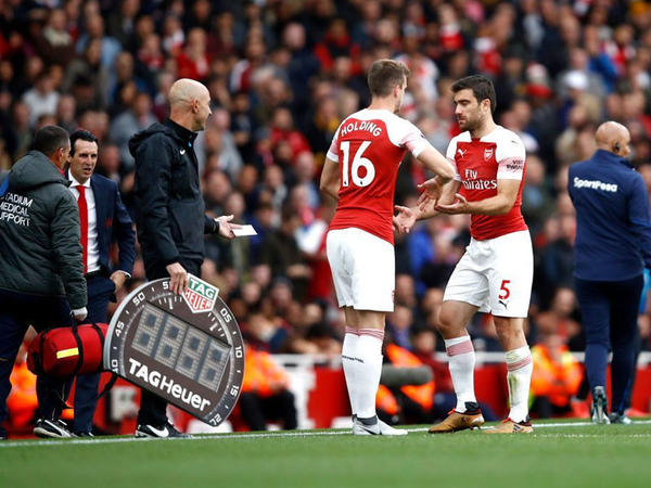 """""""Arsenal""""ın müdafiəçisi zədələndi"""