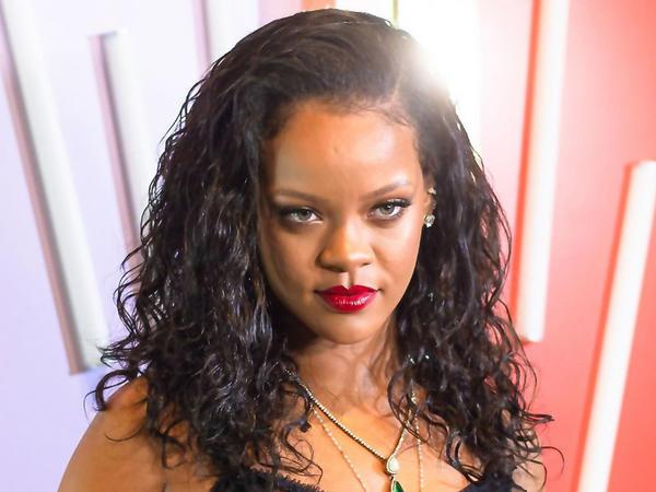 Rihannanın izlədiyi 6 türk kimdir?