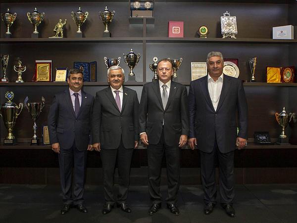 """IJF prezidenti Azərbaycan milli komandalarının təlim-məşq bazasını ziyarət edib - <span class=""""color_red"""">FOTO</span>"""