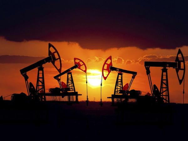 Neftin qiyməti son 4 ildə maksimum həddə çatıb