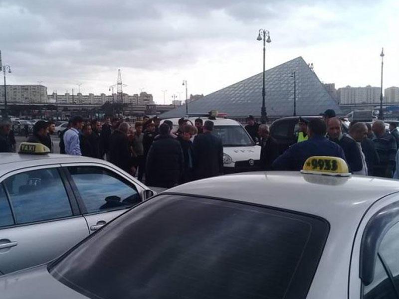 Taksi sürücüləri ilə polis arasında qarşıdurma - Saxlanılanlar var - FOTO