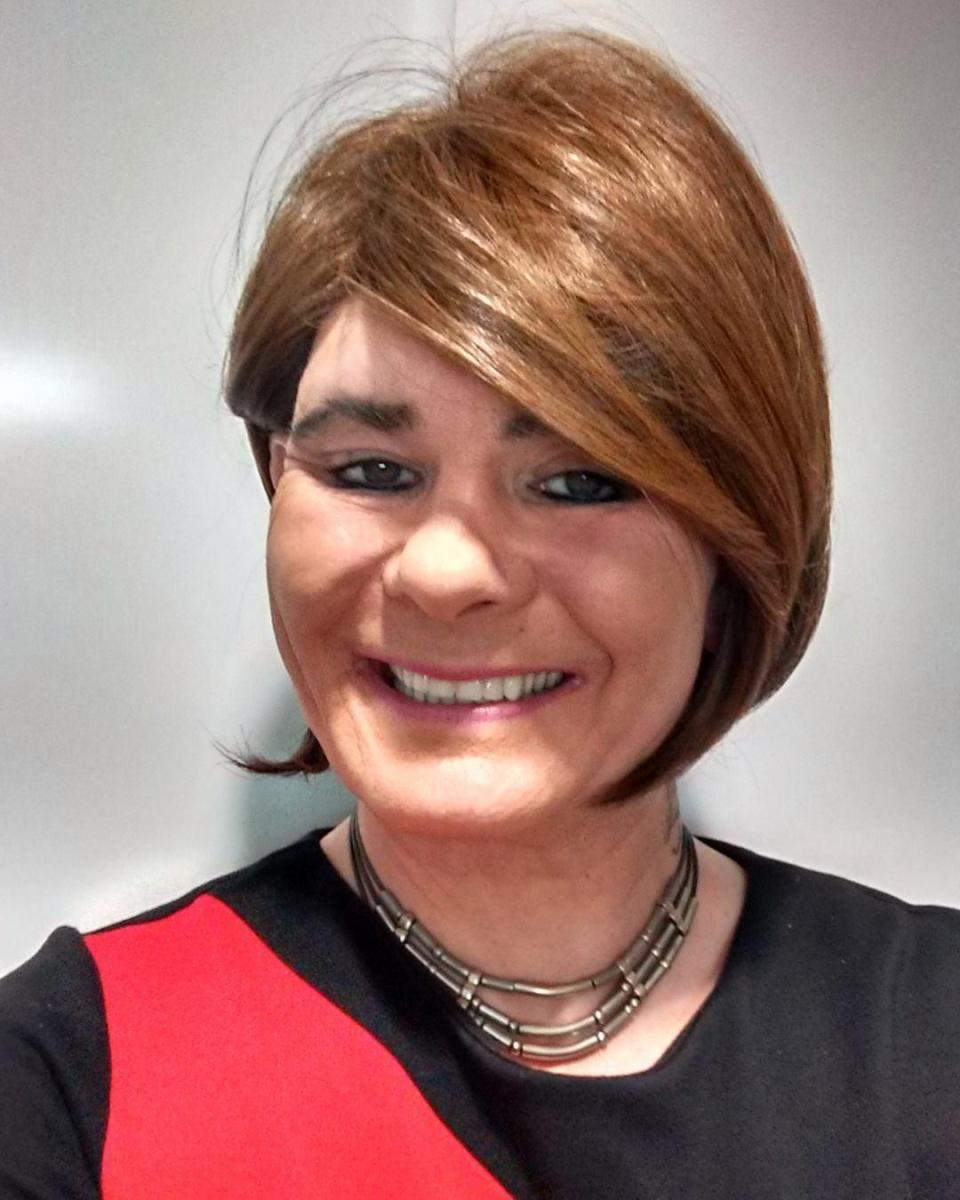Transseksualı qadınlar olan həbsxanaya saldılar, 2 nəfəri zorladı - FOTO