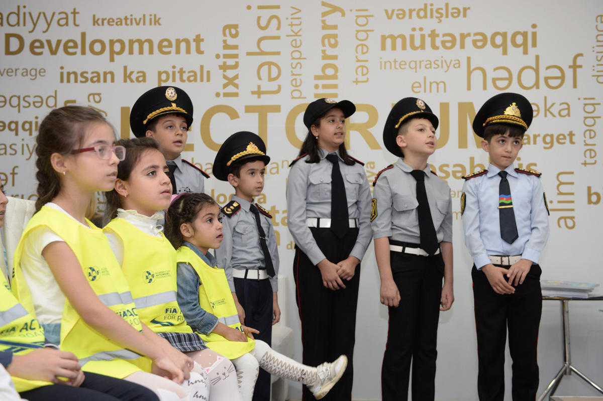 Azərbaycan Avtomobil Federasiyası XII Azərbaycan beynəlxalq təhsil sərgisində iştirak edir - FOTO