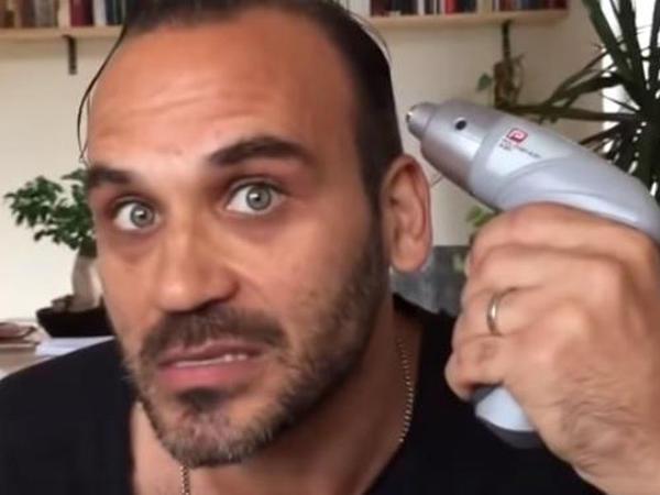 """Məşhur aktyor Ardanı ələ saldı – <span class=""""color_red"""">VİDEO</span>"""