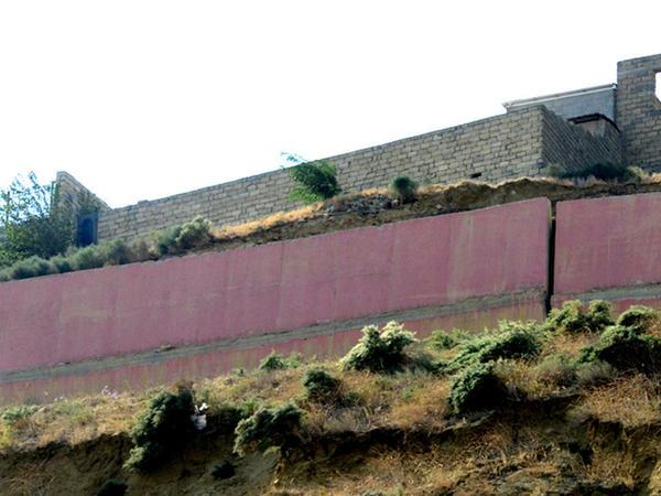 SON DƏQİQƏ! Badamdarda evlərin divarlarında yeni çatlar yarandı