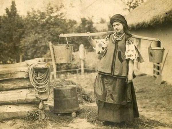 Gözəlliyi ilə dünyaya səs salan ukraynalı qızlar 100 il əvvəl - FOTO
