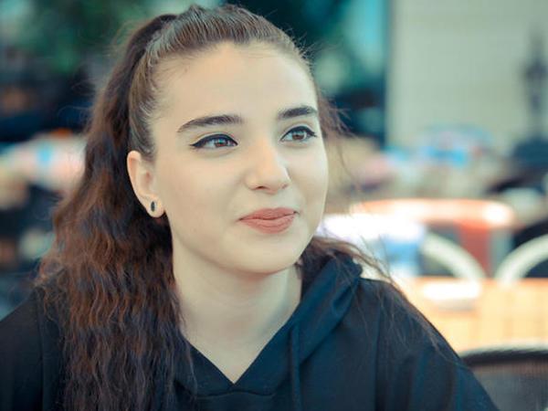 """İfası ilə Türkiyəni silkələyən Nahidə Babaşlı: """"Tatlısəs, Sibel Can və..."""" - MÜSAHİBƏ - VİDEO"""