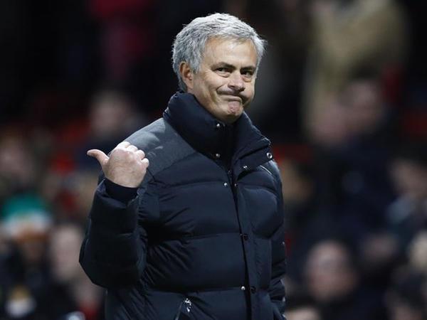 Mourinyo cəzalandırıldı