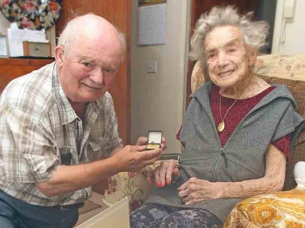 100 yaşlı nənənin toyu oldu - VİDEO - FOTO