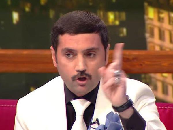 """""""Niyə batıram, kişi deyiləm?"""" - <span class=""""color_red"""">İzzət əsəbiləşdi</span>"""