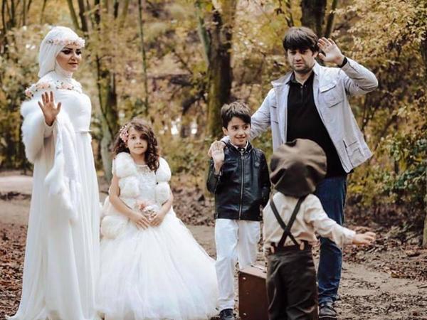 Xuraman əri və uşaqları ilə fotosessiya etdirdi