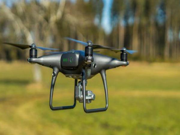 Həyatlarında ilk dəfə dron görən uşaqların REAKSİYASI - VİDEO
