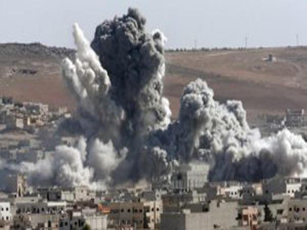 Koalisiya qüvvələri Suriyada məscidi bombardman edib