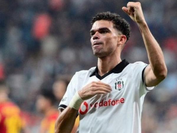 """""""Beşiktaş"""" Pepeni göndərir"""